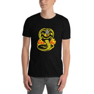 Maglietta Cobra Kai indossata